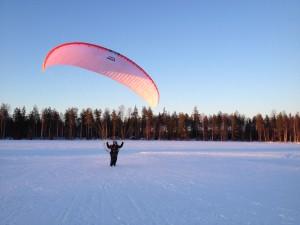 Pilkki ja Eden5 ensi lennot! 10.4-2013 023