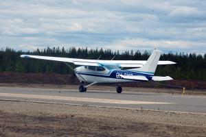 OH-CMR valmistautuu lentoonlähtöön