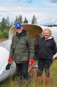 Kuvassa: Lentokapteeni Tarmo Laakso ja Sirkka rouva.
